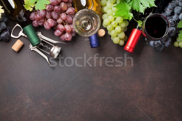Бокалы виноград каменные таблице Top мнение Сток-фото © karandaev