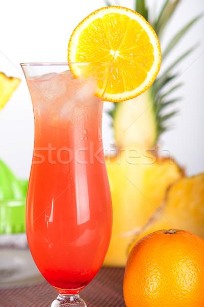 Czerwony koktajl lodu pomarańczowy pomarańczowy plasterka bar Zdjęcia stock © karandaev