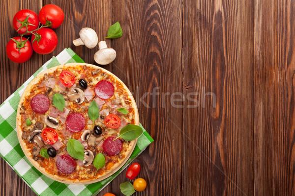 イタリア語 ピザ ペパロニ トマト オリーブ バジル ストックフォト © karandaev
