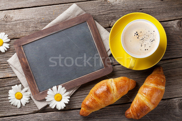 Lousa texto croissants flores café xícara de café Foto stock © karandaev