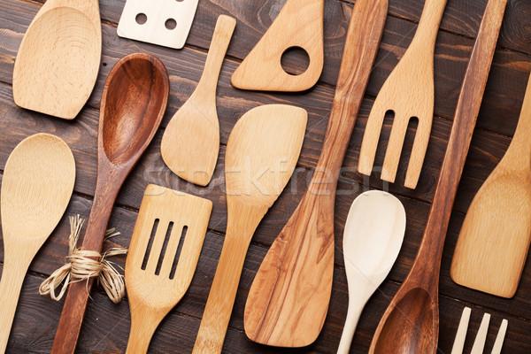 Különböző főzés kellékek fából készült konyhaasztal felső Stock fotó © karandaev