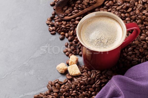 Tasse de café fèves cassonade pierre table vue Photo stock © karandaev