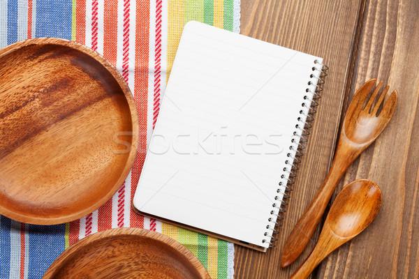Drewna kuchnia przybory notatnika kopia przestrzeń drewniany stół Zdjęcia stock © karandaev