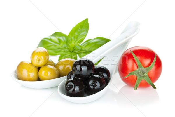 Verde azeitonas pretas tomates manjericão isolado branco Foto stock © karandaev