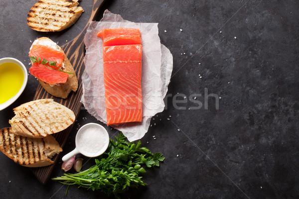 Szendvics pirítós lazac főzés kő felső Stock fotó © karandaev
