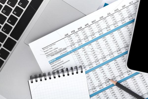 Stock fotó: Pénzügyi · papírok · számítógép · irodaszerek · közelkép · iroda