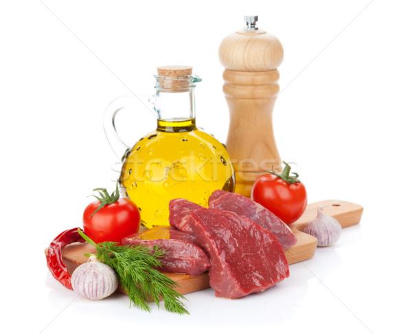 Ruw filet biefstuk specerijen geïsoleerd Stockfoto © karandaev