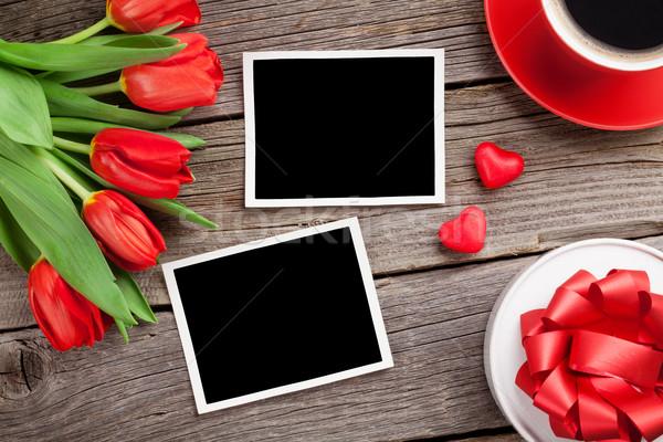 Stock fotó: Piros · tulipánok · ajándék · doboz · valentin · nap · fotók · fotó