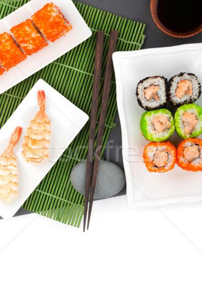 Sushi maki garnalen zwarte steen geïsoleerd Stockfoto © karandaev