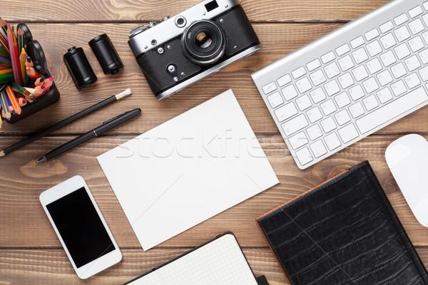 Irodai asztal készlet kamera üres kártya felső kilátás Stock fotó © karandaev