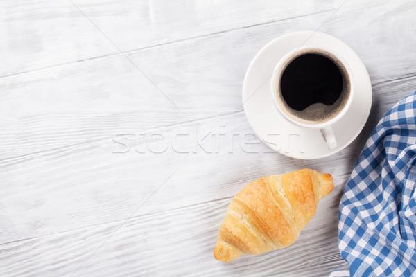 Friss croissant kávé fa asztal felső kilátás Stock fotó © karandaev