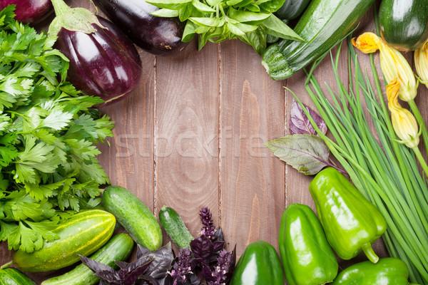 Stok fotoğraf: Taze · çiftçiler · bahçe · sebze · otlar · ahşap · masa