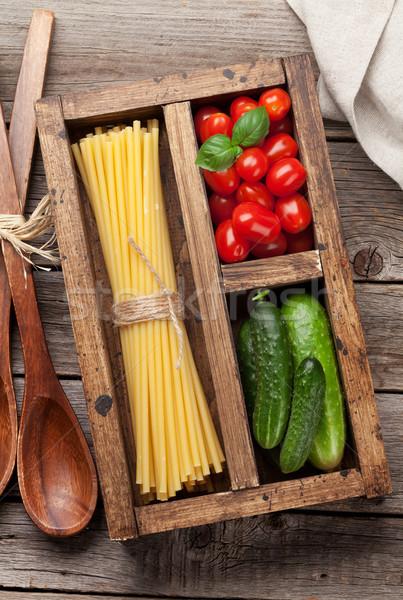 Pasta ingredienti pomodoro basilico cetriolo cottura Foto d'archivio © karandaev