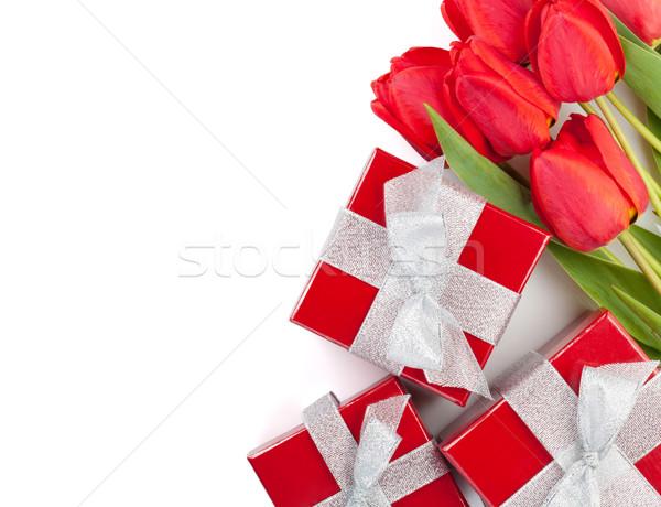 ストックフォト: 新鮮な · 赤 · チューリップ · ギフトボックス · 孤立した · 白
