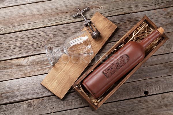 Rode wijn fles glas houten tafel top Stockfoto © karandaev