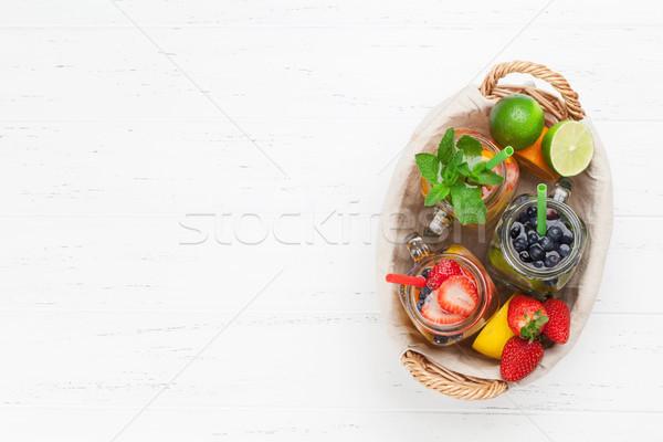 свежие лимонад лет плодов Ягоды банку Сток-фото © karandaev