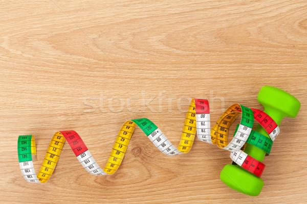 Foto stock: Cinta · métrica · fitness · salud · mesa · de · madera · espacio · de · la · copia · deporte