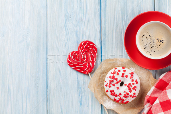 Stok fotoğraf: Tatlı · çörek · kalp · şeker · kahve · ahşap · masa