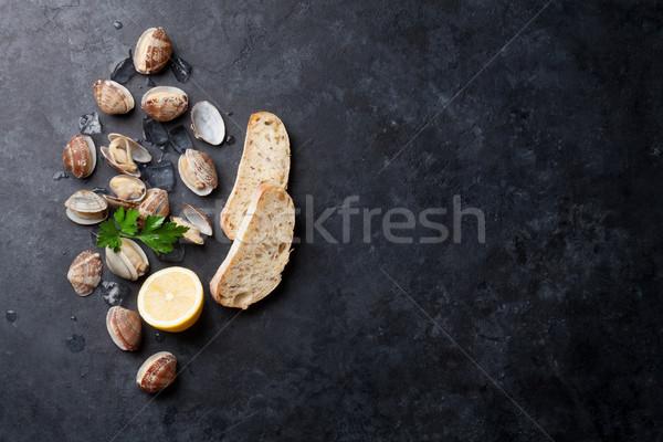 świeże owoce morza kamień tabeli górę widoku Zdjęcia stock © karandaev
