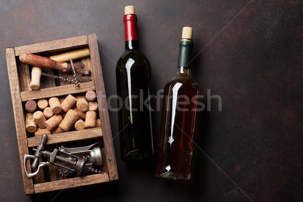 Photo stock: Vin · bouteilles · tire-bouchon · bois · boîte · haut