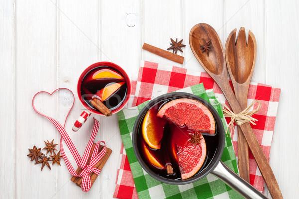Navidad vino ingredientes blanco mesa de madera Foto stock © karandaev