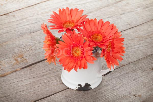 Сток-фото: оранжевый · цветы · деревянный · стол · здоровья · фон · красоту