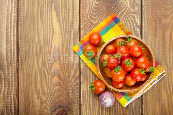 Fresche pomodorini tavolo in legno copia spazio alimentare Foto d'archivio © karandaev