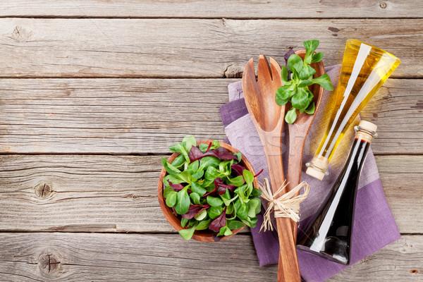 Maíz ensalada hojas mesa de madera superior Foto stock © karandaev