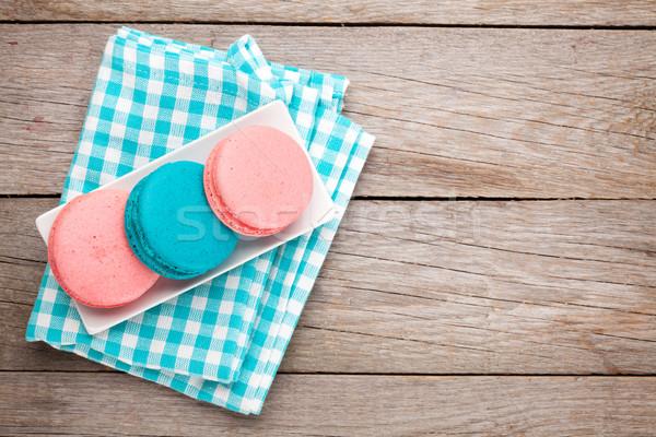 Renkli macaron kurabiye ahşap masa bo gıda Stok fotoğraf © karandaev