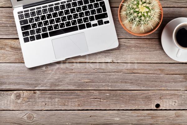 Bureau laptop koffie cactus tabel houten tafel Stockfoto © karandaev