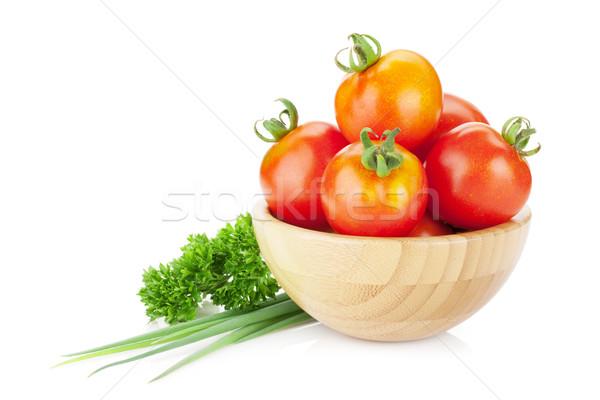Rijp tomaten kom peterselie ui Stockfoto © karandaev