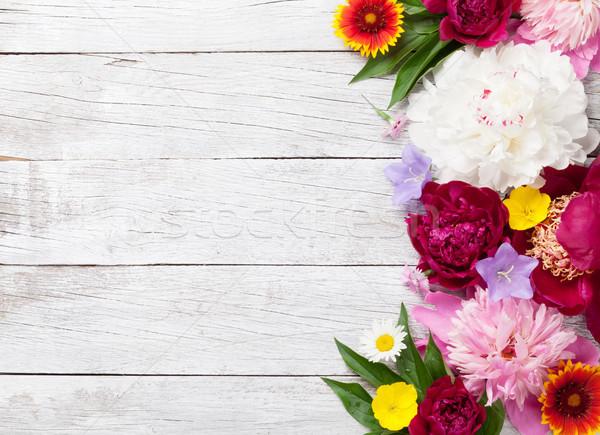 Ogród kwiaty drewna górę widoku Zdjęcia stock © karandaev