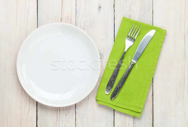 Stock fotó: üres · tányér · ezüst · étkészlet · fehér · fa · asztal · felülnézet