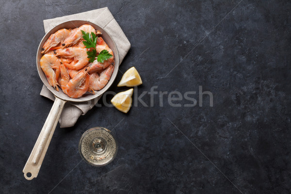 Fraîches fruits de mer pierre table vin blanc haut Photo stock © karandaev