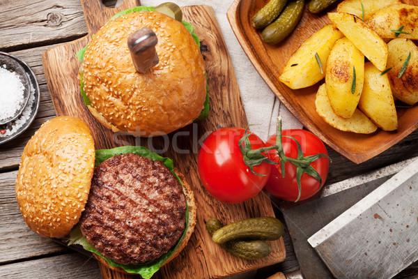 ízletes grillezett házi főzés marhahús paradicsom Stock fotó © karandaev