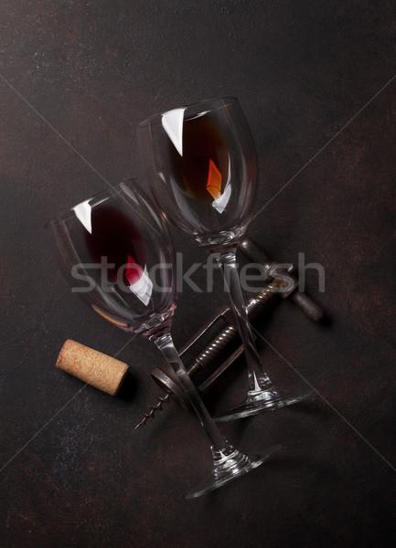Kieliszki do wina vintage korkociąg górę widoku drewna Zdjęcia stock © karandaev