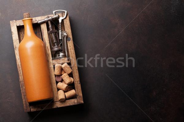 Bouteille de vin tire-bouchon bois boîte haut vue Photo stock © karandaev