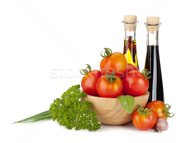 Olgun domates fesleğen maydanoz yeşil soğan yalıtılmış Stok fotoğraf © karandaev
