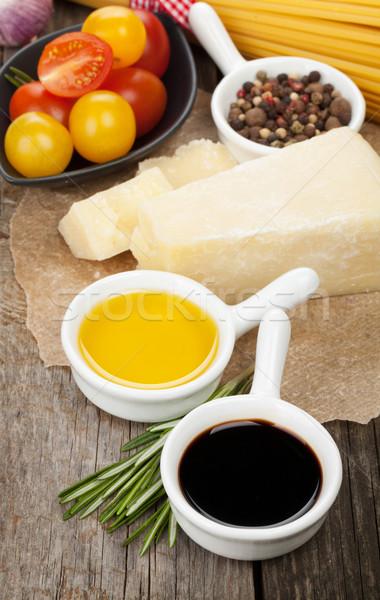 Stok fotoğraf: Parmesan · peyniri · makarna · domates · sirke · zeytinyağı · otlar