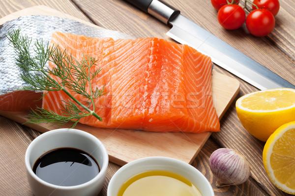 лосося специи деревянный стол рыбы нефть ножом Сток-фото © karandaev