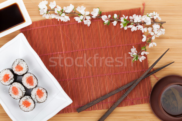 Sushi maki conjunto chá verde sakura ramo Foto stock © karandaev