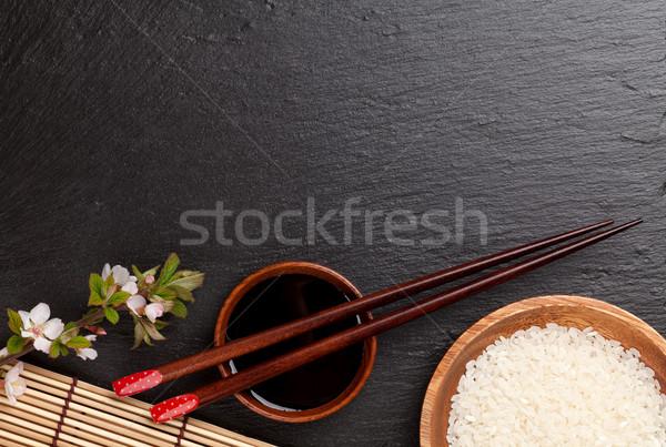 Japon sushi Çin yemek çubukları soya sosu çanak pirinç Stok fotoğraf © karandaev