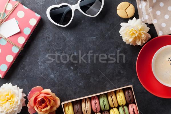 Coloré café sweet macarons pierre table Photo stock © karandaev
