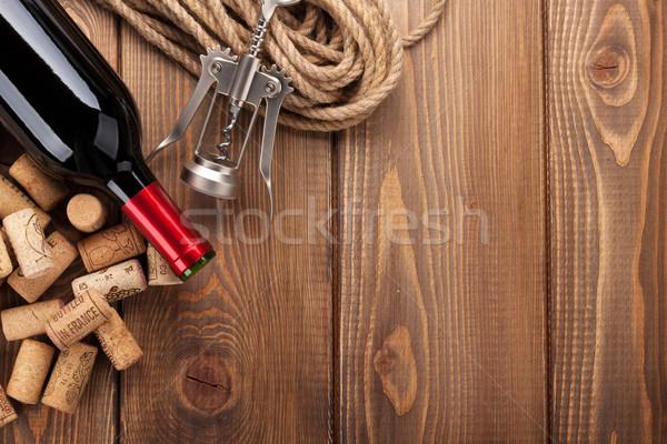 紅葡萄酒 瓶 堆 鄉村 商業照片 © karandaev