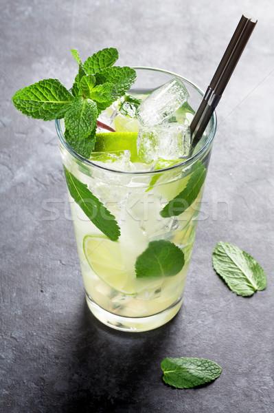 Mojito cocktail donkere steen tabel vruchten Stockfoto © karandaev