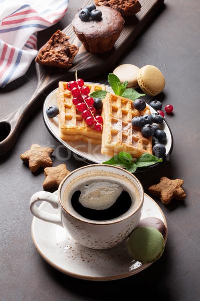 Сток-фото: кофе · конфеты · продовольствие · шоколадом · фон · конфеты