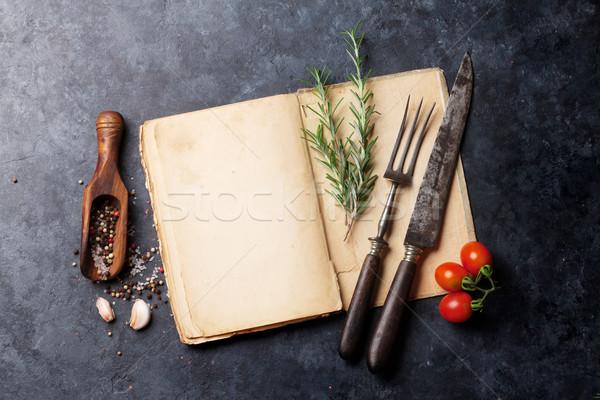 Książka kucharska zioła przyprawy tekst górę widoku Zdjęcia stock © karandaev