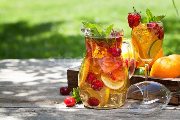 Maison limonade été fruits baies extérieur Photo stock © karandaev