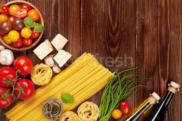 Foto stock: Comida · italiana · cozinhar · ingredientes · macarrão · tomates · manjericão