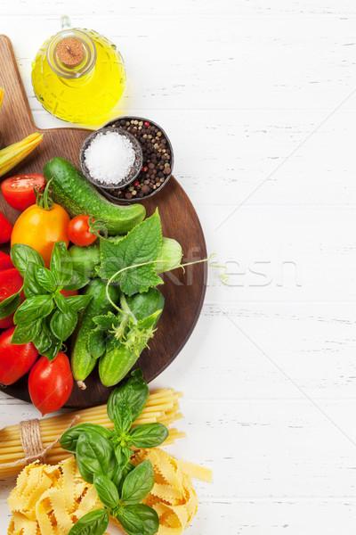 Taze bahçe domates salatalık makarna pişirme Stok fotoğraf © karandaev